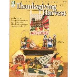 Plastic Canvas Thanksgiving Harvest: Phyllis Dobbs: Books