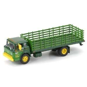 1/50 Die Cast Ford C Stake Bed John Deere/Green: Toys