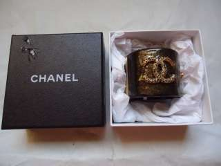 AUTHENTIC* Chanel BLACK & GOLD SPARKLE CRYSTAL CUFF/BRACELET *OVAL