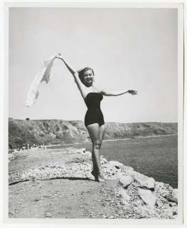 MITZI GAYNOR 1950S BATHING BEAUTY PIN UP PHOTOGRAPH BRUNO BERNARD OF
