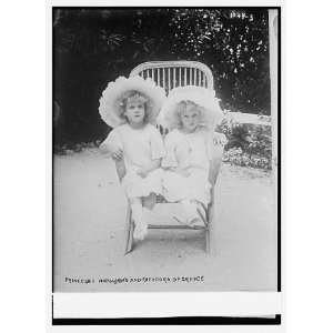 Princess Marguerite,Theodora of Greece,together in chair