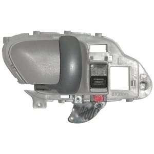 GMC Front Driver Side Door Handle Inside (Partslink Number GM1352101