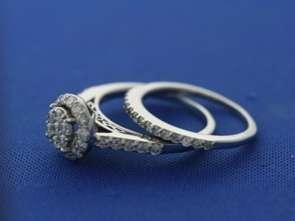 14k White Gold 1.10ct Round Diamond Cluster Ring Set