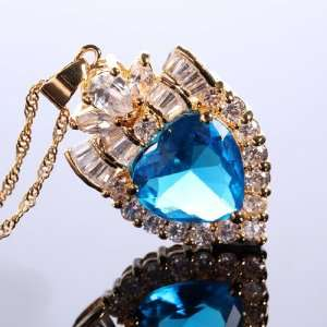PERFECT LADY HEART ROUND CUT BLUE AQUAMARINE GOLD PLATED