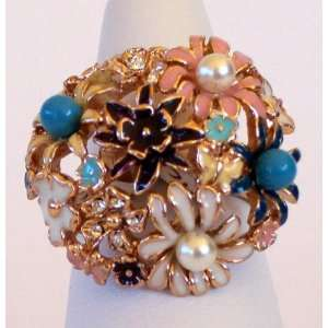Ladies Size 7 and 8 Fashion Ring Dome Rose Gold Plated Flower Bouquet