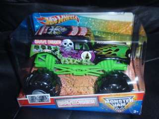 Hot Wheels MONSTER JAM GRAVE DIGGER 1 24