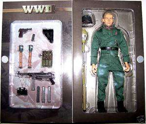 Blue Box Toys WWII 21st Panzer Division Gunner  NEW