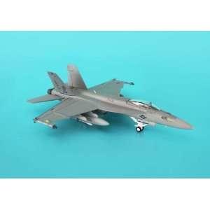 Hogan F/A 18E Usn VFA105 1/200 Gunslingers LO VIS Toys