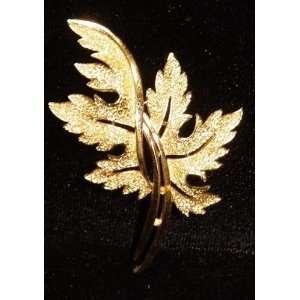 Trifari Gold Tone Oak Leaf Brooch Pin