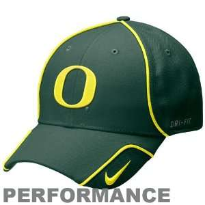 Nike Oregon Ducks Green Coaches Performance Adjustable Hat
