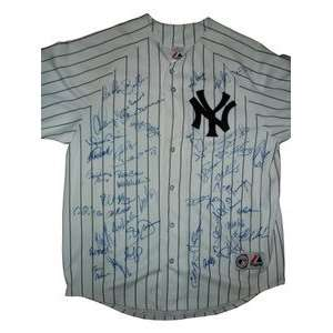 2007 New York Yankees Team Signed Home Jersey Everything